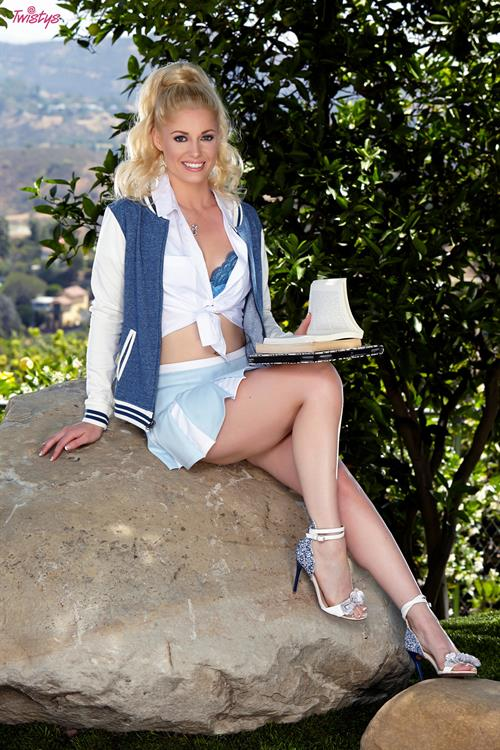 Outdoor Anatomy Lesson.. featuring Charlotte Stokely