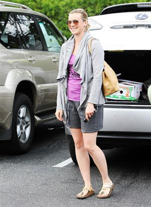 Amy Smart at Bristol Farms in Beverly Hills on July 6, 2010