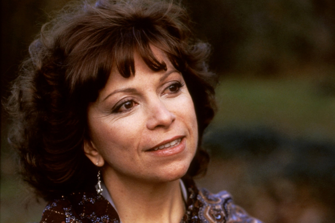 a biography of isabel allende Isabel allende biography the prolific writer is the author of award winning books such as 'eva luna' and 'the house of spirits' to know more about the childhood, career, profile and timeline of isabel allende read on the following biography.