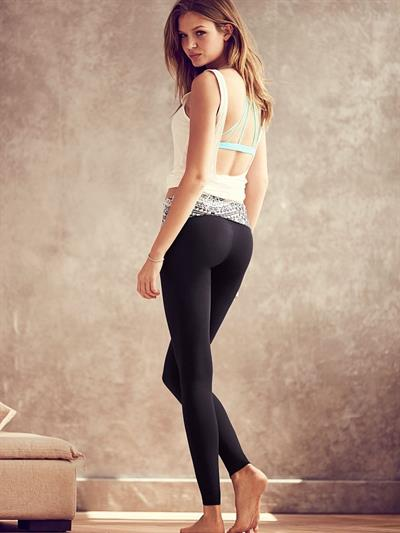 Josephine Skriver in Yoga Pants - ass