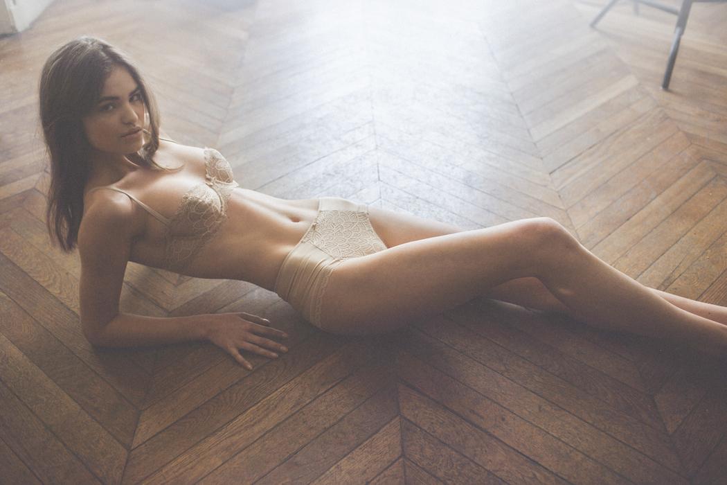 Nude robin holzken Robin Marjolein