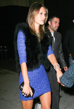 Alessandra Ambrosio out about in Los Angeles 24.09.11