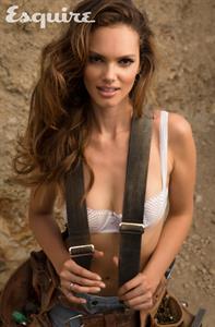 Lisalla Montenegro in lingerie