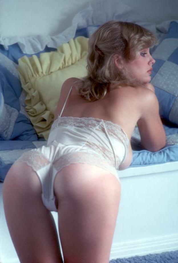 Dorothy Stratten in lingerie - ass