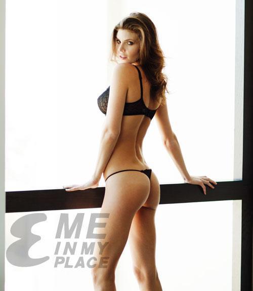 Julia Lescova in lingerie - ass