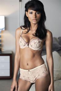 Emanuela de Paula in lingerie