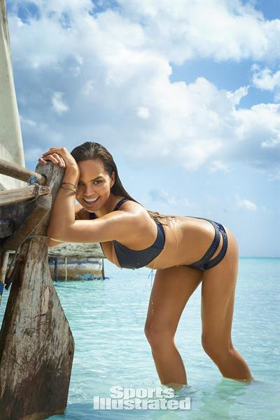Chrissy Teigen - Sports Illustrated Swimsuit 2016