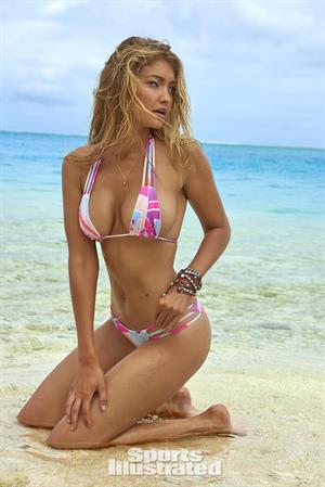 Gigi Hadid - Sports Illustrated Swimsuit 2016