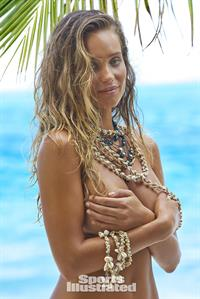 Hannah Davis - Sports Illustrated Swimsuit 2016