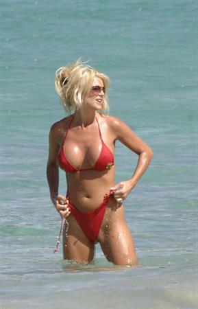 Victoria Silvstedt in an awesome red bikini