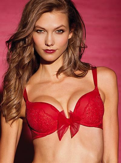 Karlie Kloss in lingerie