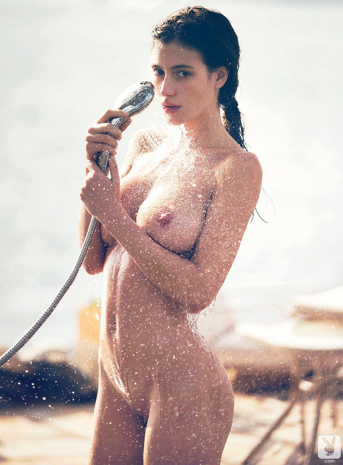 Alejandra Guilmant - breasts