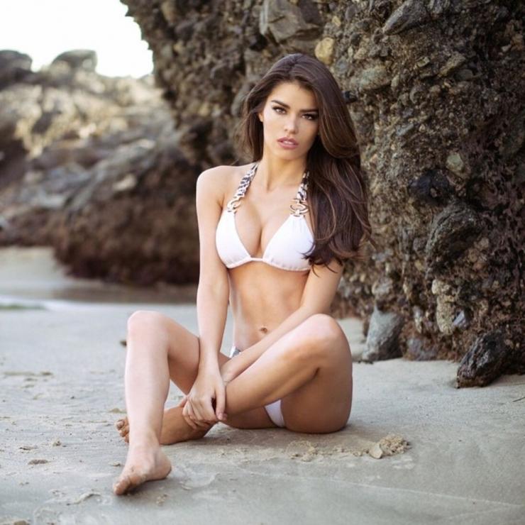 Mabelynn Capeluj in a bikini