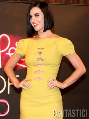 "Katy Perry in a yellow dress for ""Part of Me"" 3D in Rio"