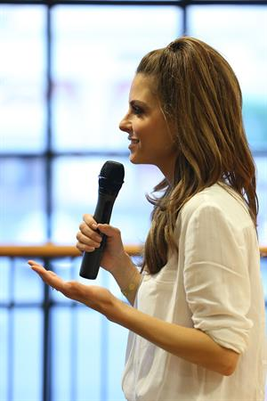 Maria Menounos at Barnes & Noble talking about Her New Book 'The Every Girl's Guide To Diet And Fitness' on June 9, 2014