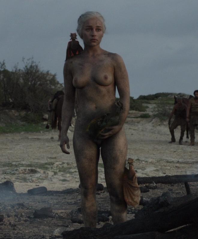 Emilia clarke nude pictures rating