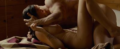 Elizabeth Olsen - breasts