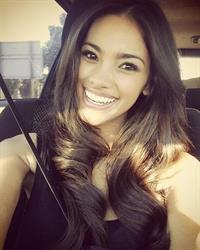 Bryiana Noelle taking a selfie