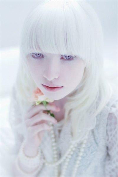 Beautiful albinos model