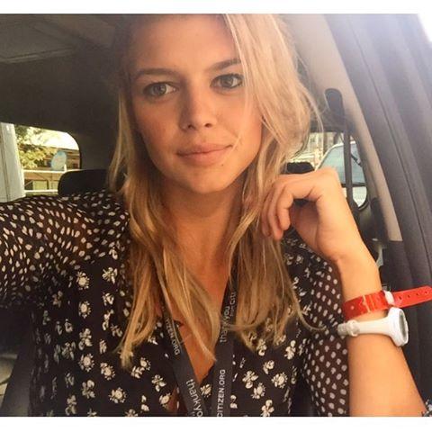 Kelly Rohrbach taking a selfie