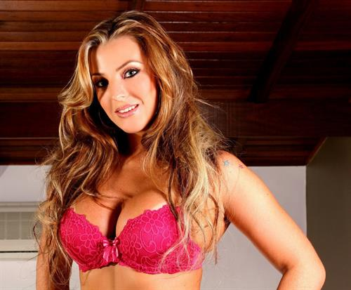 Milena Santos in lingerie