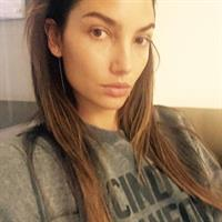 Lily Aldridge taking a selfie