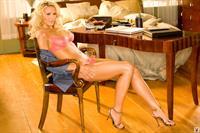 Lindsay Elizabeth Wagner in lingerie