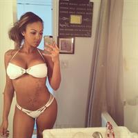 Analicia Chaves in a bikini taking a selfie