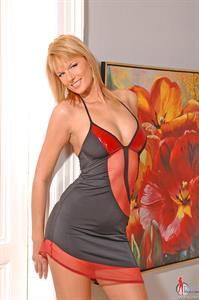 Jaimi Lenkova in lingerie