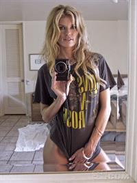 Marisa Miller taking a selfie