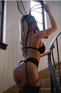 Valeria Orsini in lingerie - ass