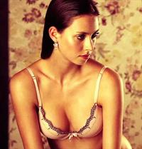 Bruna Hort in lingerie