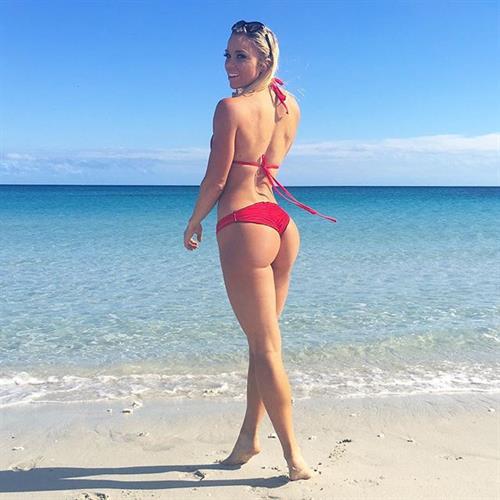 Lauren Drain Kagan in a bikini - ass