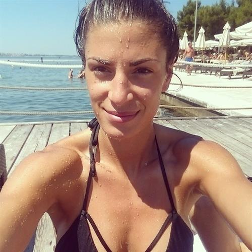 Ivana Španović in a bikini taking a selfie