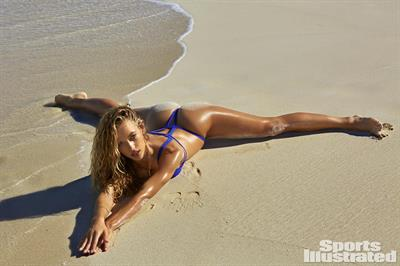 Hannah Ferguson - Sports Illustrated Swimsuit 2016