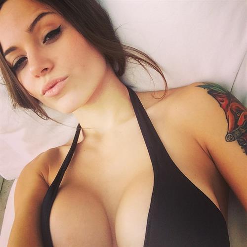 Melanie Pavola