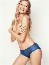 Vita Sidorkina in lingerie