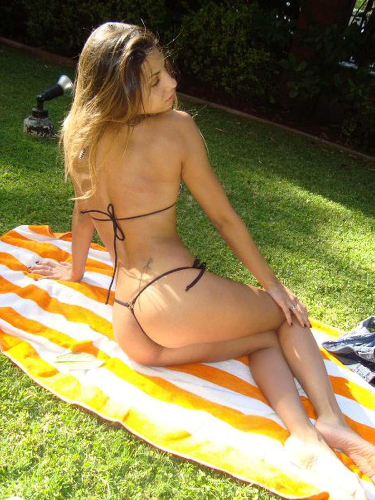 Cinthia Fernandez in a bikini - ass