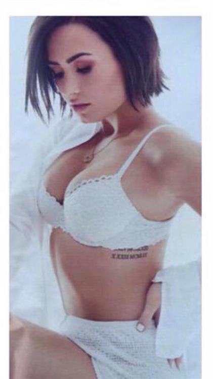 Demi Lovato in lingerie