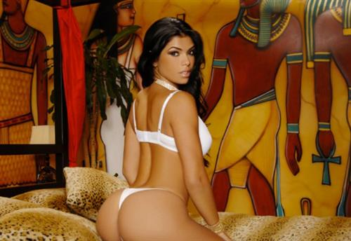 Suelyn Medeiros in lingerie - ass