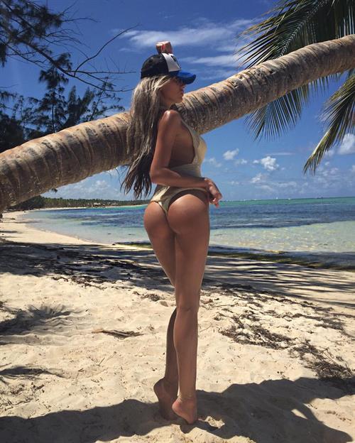 Anella Miller in a bikini - ass