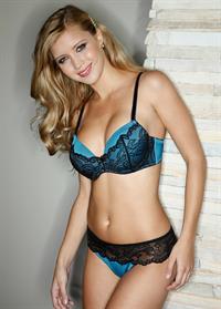Shané van der Westhuizen in lingerie