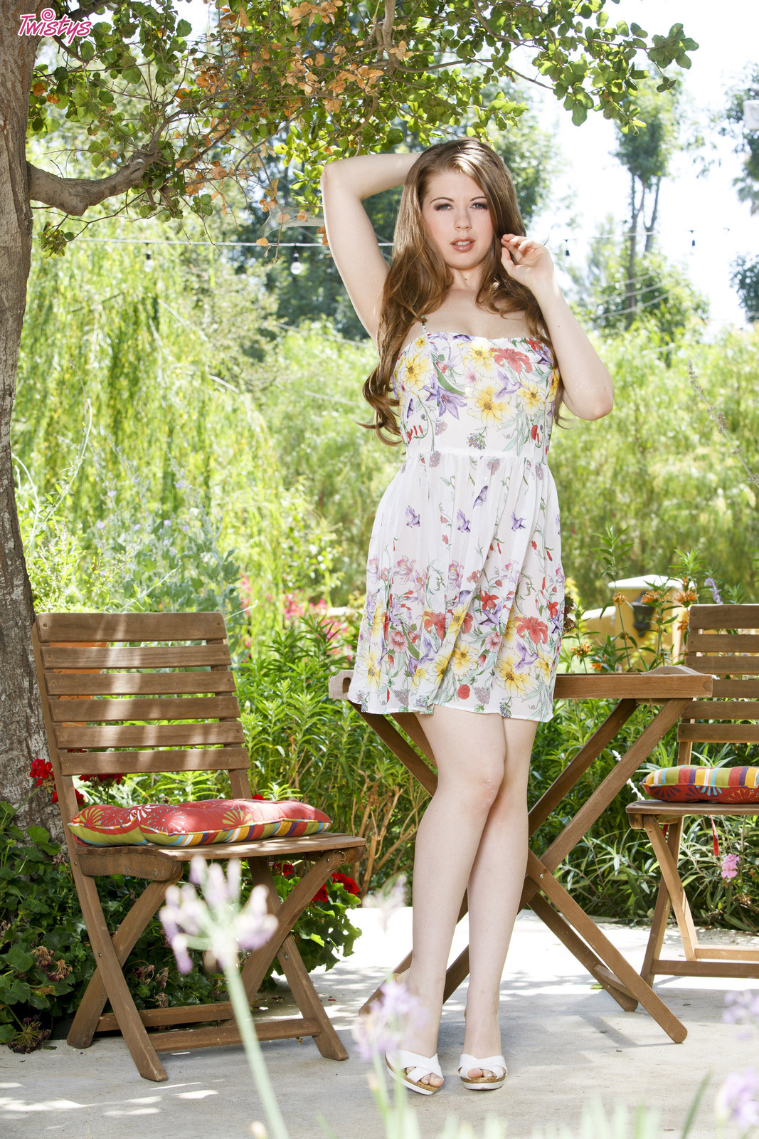 Jessi Junes Pictures. Hotness Rating = 9.21/10