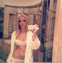 Ekaterina Enokaeva in lingerie taking a selfie