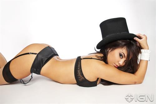 Justene Jaro in lingerie