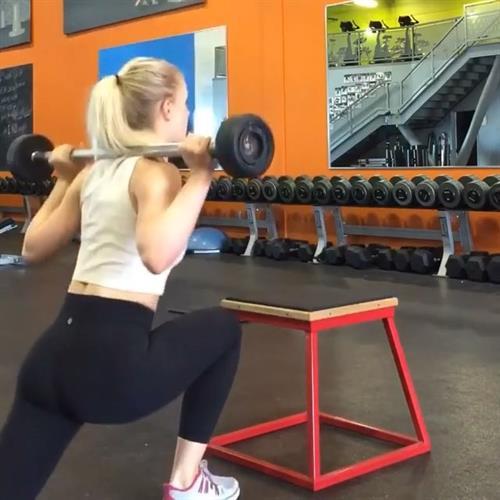 Amanda Bennett in Yoga Pants - ass