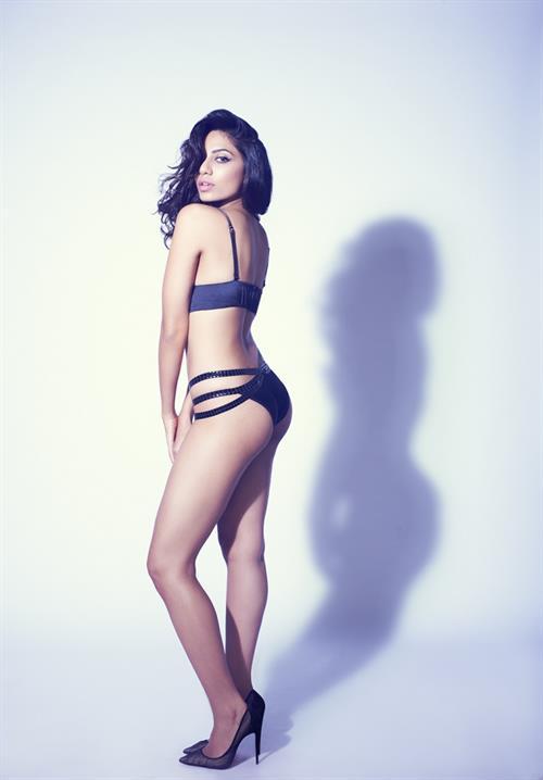 Sobhita Dhulipala in a bikini - ass