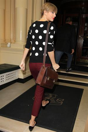 Taylor Swift leaving her hotel in London 11/7/12