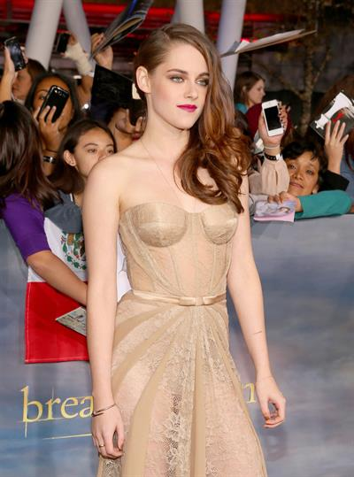 Kristen Stewart Breaking Dawn 2 premiere in LA 11/12/12