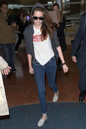 Kristen Stewart at Roissy Charles de Gaulle airport Paris 9/26/12